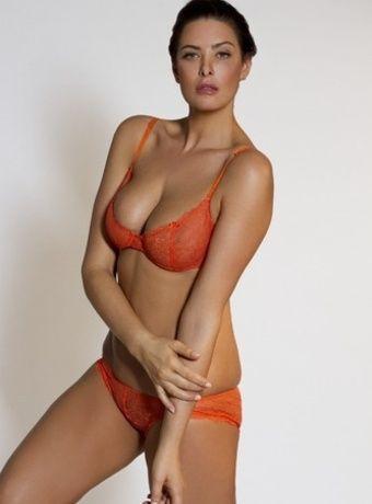 curvy baked women models