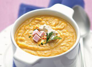 """Uma boa receita de creme: <a href=""""http://mdemulher.abril.com.br/culinaria/receitas/creme-abobora-queijo-cottage-550039.shtml"""" target=""""_blank"""">abóbora com queijo cottage</a>. Além de ser suculento, conta com 115 calorias por porção."""