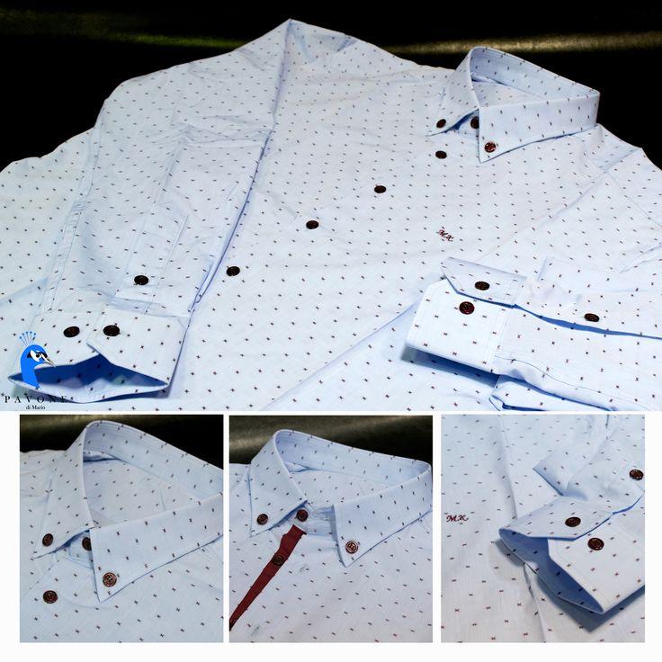 Οne of our best creations Τρικολίνα Ιταλίας (βαμβάκι) σχέδιο λαχούρι. Γιακάς κλασικός 6,5 πόντους με κουμπί,μανσέτα κοφτή Γαρνιτούρα μπορντό στην πατιλέτα,μπορντό κουμπί Μονόγραμμα στην αριστερή πλευρά του πουκαμίσου.
