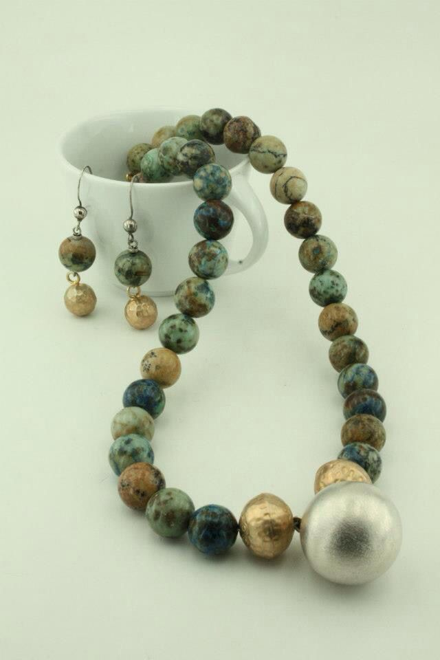 Necklace and Earrings of Crisocala Stones with silver and goldplated balls.