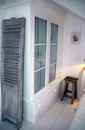 Klesskap av gamle vinduer
