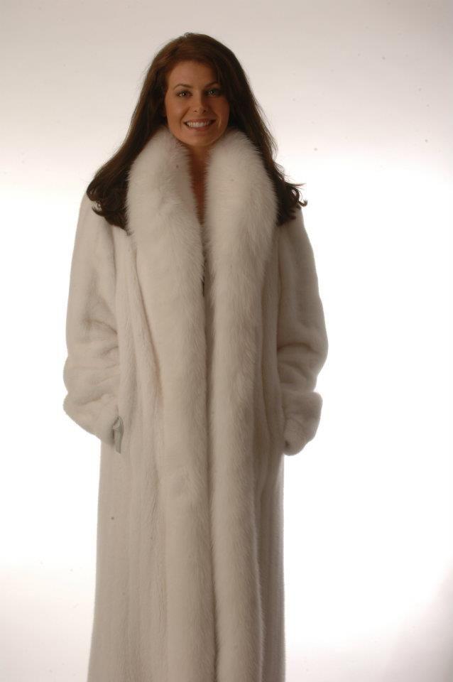 13 best Fur coats images on Pinterest | Fur fashion, Fox fur coat ...