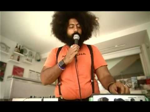 Reggie Watts 05/08/2009 'I Just Want To' - YouTube