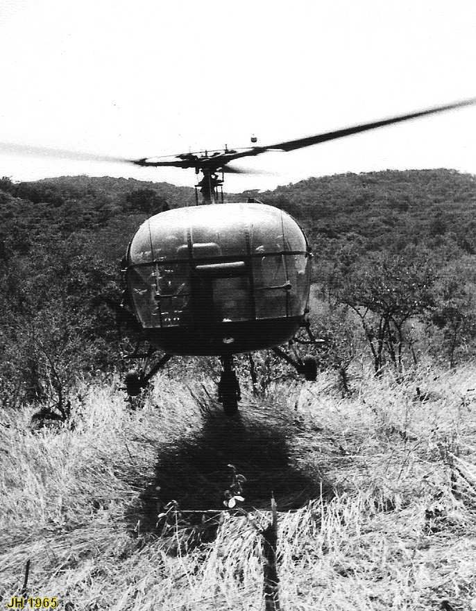 """Light helicopter (french """"AlouetteIII"""") used by portuguese army in Africa. As french and rodhesian armies on the african continent, portuguese were big users of airmobile machines."""