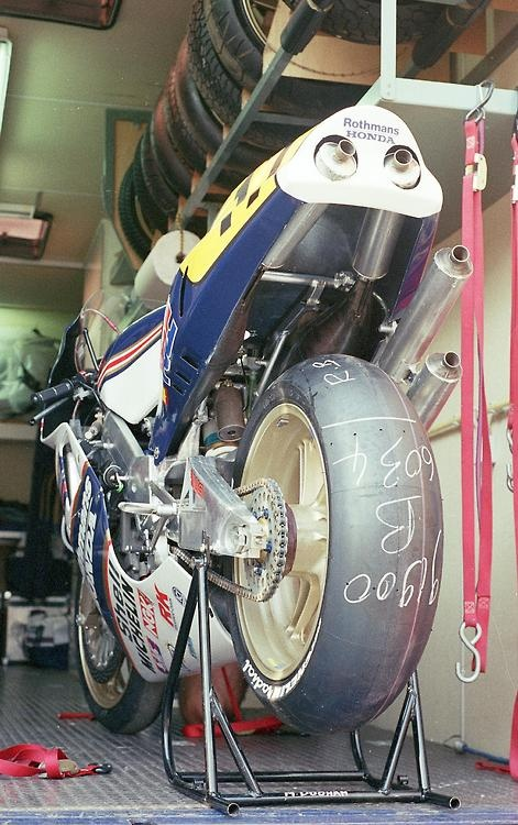 the beast …    Roger Burnett's Rothmans HRC Honda NSR500 he used as a wild card at Donington in the 1989 British Grand Prix