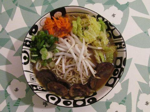 Healthy ramen noodle soup!   Yummy Vegan Recipes!   Pinterest