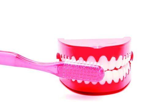 Dibawahini adalah contoh makalah kesehatan gigi , semoga informasi ini bermanfaat bagi anda yang sedang mencari Makalah Kesehatan Gigi.