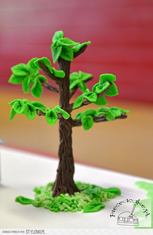 Drzewo Wykonane Z Lukru Plastycznego Stanowiace Ozdobe Na Stylowi Pl Herbs Asparagus Tree