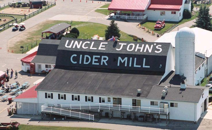 Uncle John's Cider Mill: St. John's,MI - They have great cider, the cutest shop, and a huge pumpkin patch!