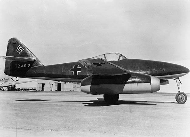 Right side profile view of a Messerschmitt Me 262 Schwalbe at rest