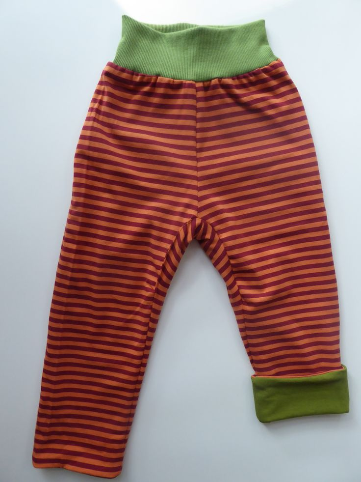 Take a look at the reverse side of our favorite simple #green trousers. Stripes that will withstand years of wear and washing.  #barnkläder #babykläder #biokleidung #slowfashionmovement #babyclothes