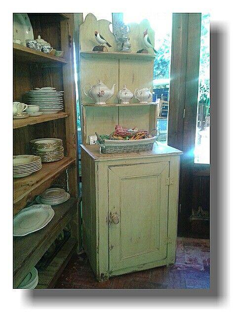 Antiguo mueble restaurado clasico de los campos uruguayos for Muebles vintage uruguay