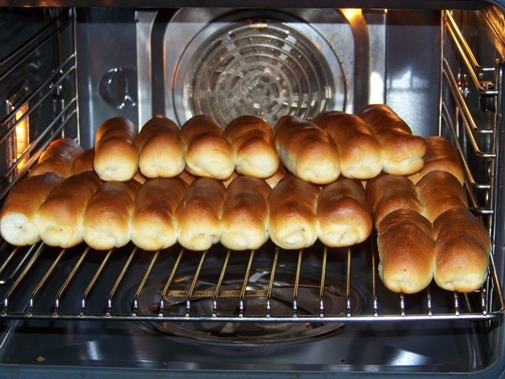 Verbeterd recept worstenbrood. - Pepes Cooking Place - like a bagel dog -in dutch