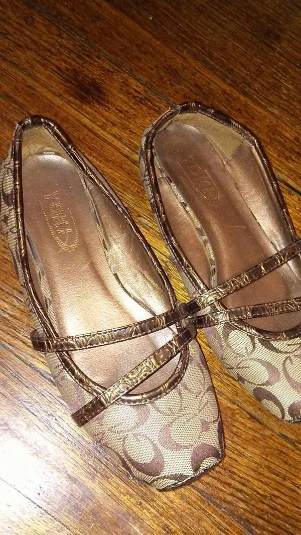 Gucci. Flats used. | Gucci shoes, Shoes
