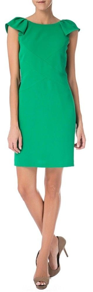 Vestido corto de crepe color verde con manga fruncida de David Christian (263 euro
