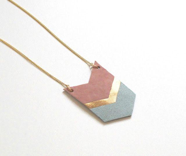 Collier en cuir rose / or / jade chez Tilt