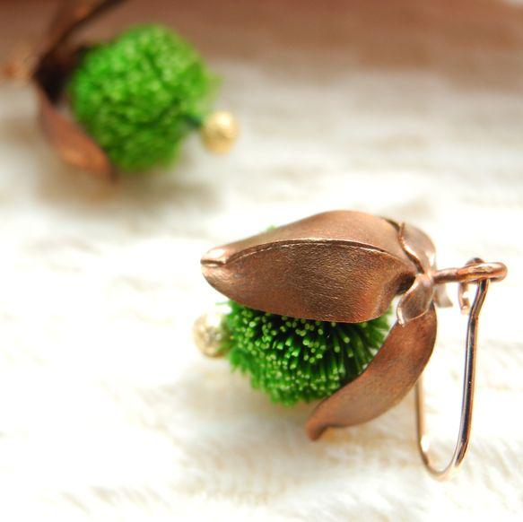 ツルウメモドキのイヤリングです。material 素材copper 銅deer's hear 鹿毛※ピアスorイヤリングお選び頂けます。size サ...|ハンドメイド、手作り、手仕事品の通販・販売・購入ならCreema。
