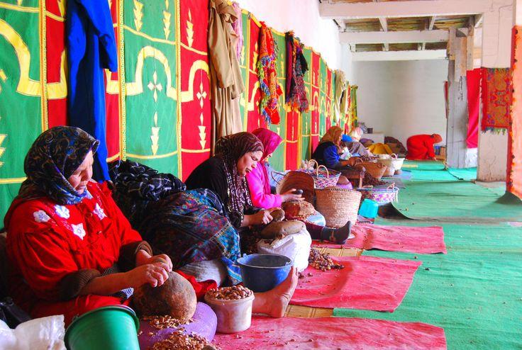 Berber women produce manually the Argan Oil. Discover more about Argan Oil on https://www.worldofarganoil.com