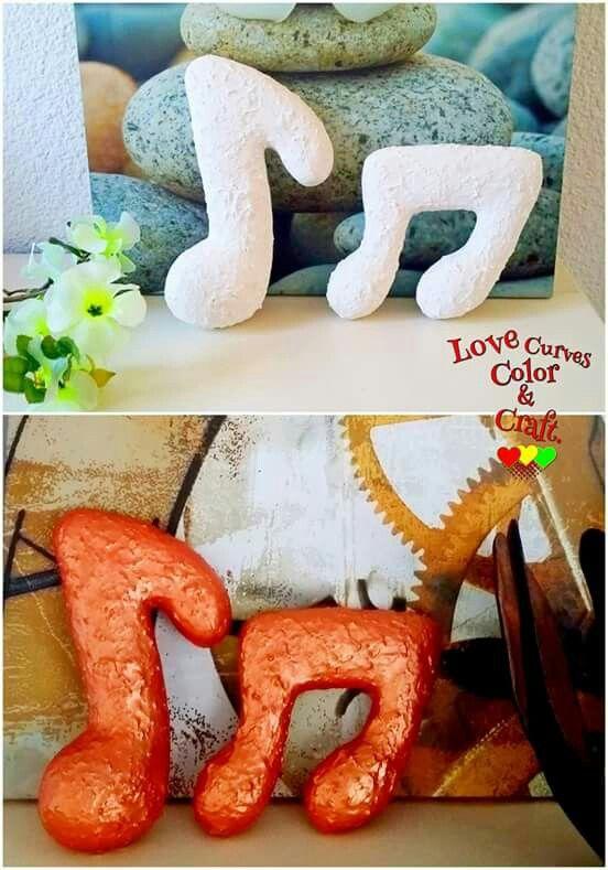 Conjunto símbolos musicales/ Musical symbols Set #unbreakable #irrompible #handmade #hechoamano #craft #vase #lamp #vasen #decoration #decoracion #homedecor #lamparas #dekoration #fattoamano #decorazione #decor #paperclay #handcraft #jarron  #art #design #handgemacht #Musicalsymbols #paperart #decorativeobjects #ornamentos   #ornaments #homedecor #ootd