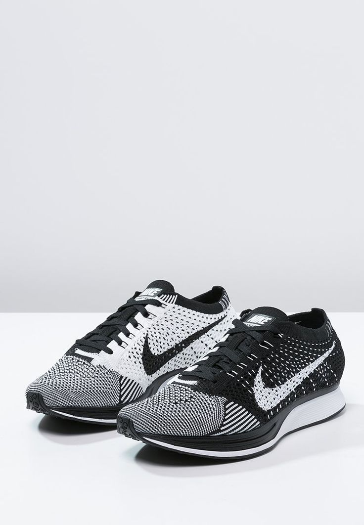 FLYKNIT RACER - Chaussures de running compétition - black/white