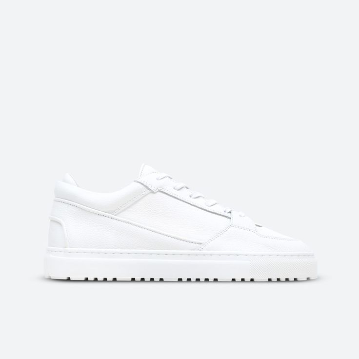 ETQ Amsterdam creates a modern minimalist perspective on footwear. Shop the latest collection online with free worldwide shipping.