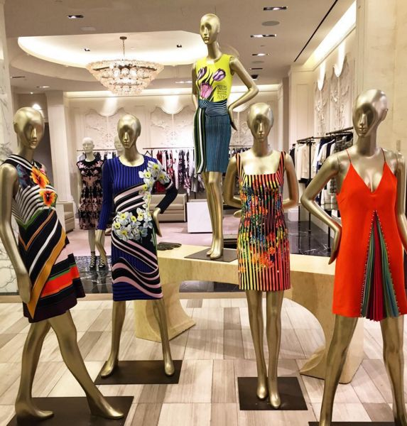 RS16 -Saks Fifth Avenue, New York