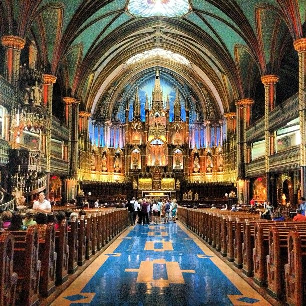 Basilique Notre-Dame in Montreal, QC