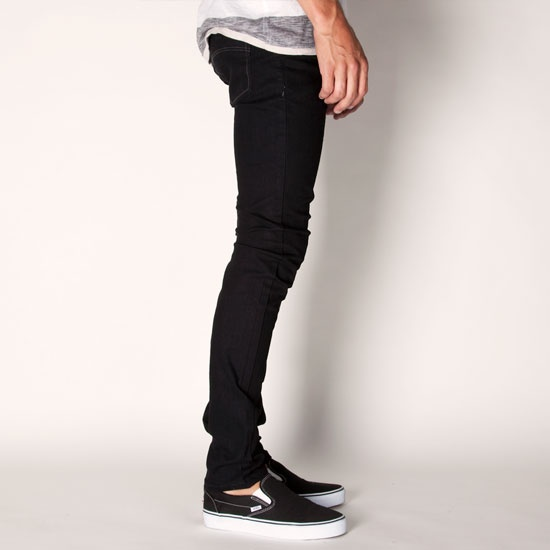 Men's super skinny jeans are one of our slimmest fits for a sleek, streamlined casual look. Our super skinny jean with ripped details are great for your weekend look, while a classic dark wash dresses up nicely for your workday or date night.