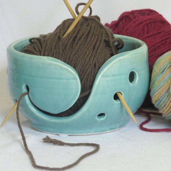Kleine turquoise keramische garen kom door EarthandStonebyKimmi