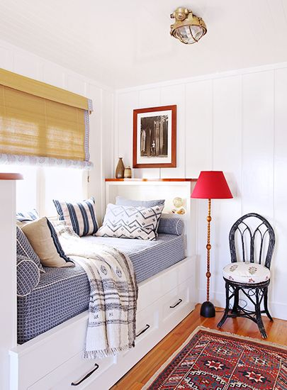 Love a good day bed particularly when it's built in with bookcases and a window!