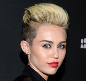 Since it was her resemblance with Miley Cyrus that earned Mardee a new identity and fame, would she soon accept offers of a Nude Photo Session by some famous fashion magazine too; just like her idol?