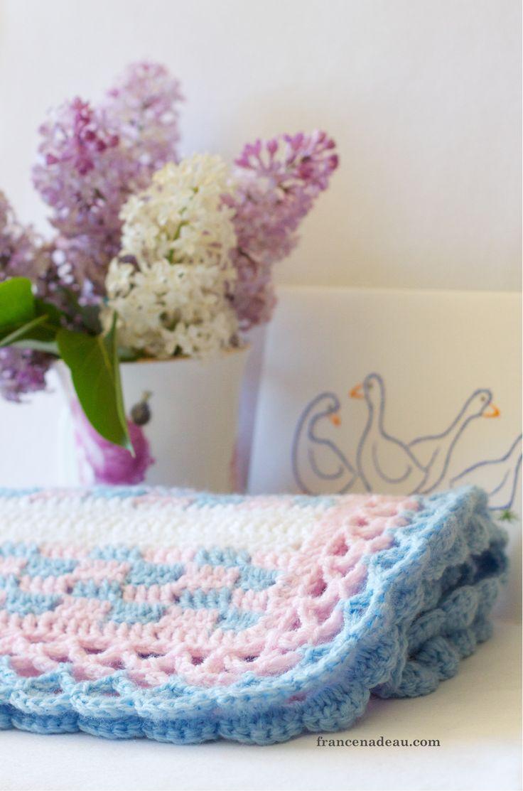 Brick-Wall Blanket - crochet tutorial at francenadeau.com