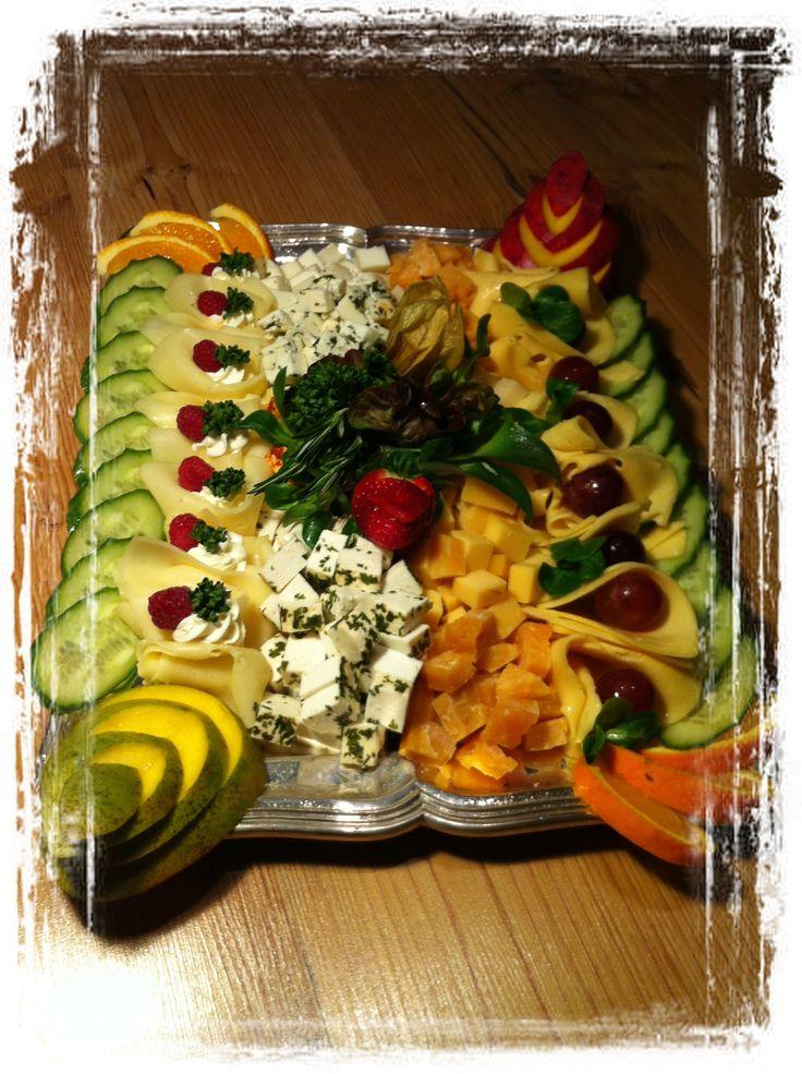 Slavnostní sýrová mísa