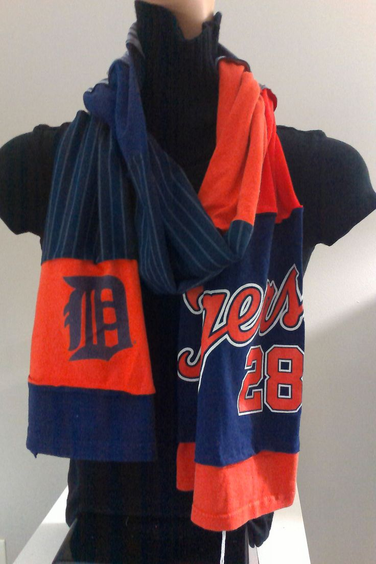 $15.00 - ITEM #DTGRS03: Detroit Tigers baseball scarf. Measures approx.. 84 in long.