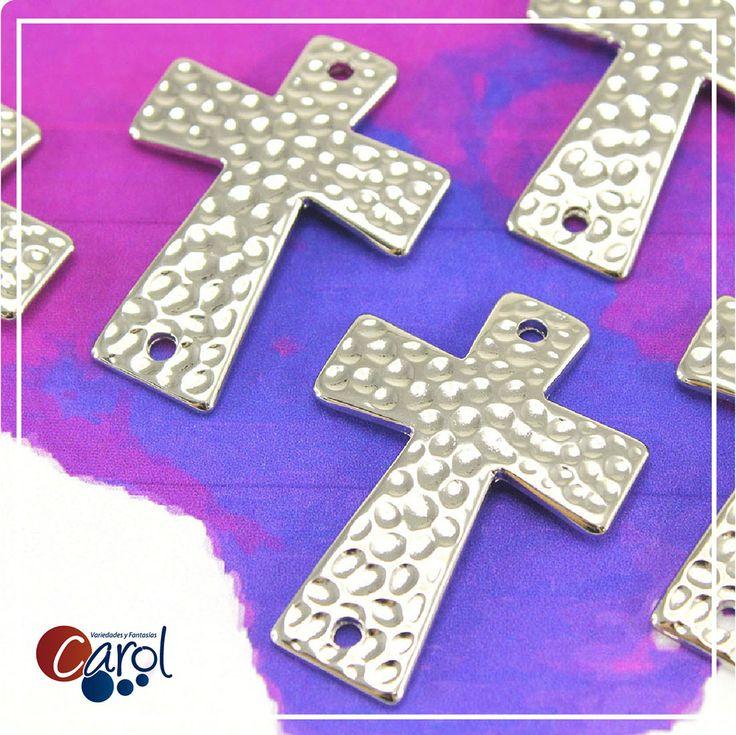 ¡Cruces Plateadas! Más fabulosos diseños aquí http://goo.gl/5lKntp #moda #accesorios #bisuteria #mujer #silver #plata #plateado #style #cruz
