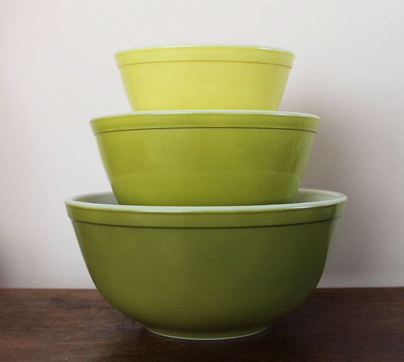 Set of 3 Verde Pyrex mixing bowls by TheLadenBranch on Etsy, $44.00