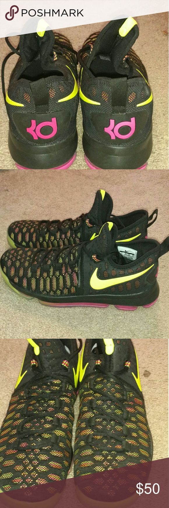 Nike Kd Shoes -These are perfect for basketball or for style -these are unisex -lowr tops -(10 men's 11 women's) -these are Kevin Durant's line of Nike shoes -WARN ONCE  -ALL OFFERS NO MATTER THE PRICE ARE CONSIDERED Nike Shoes Athletic Shoes