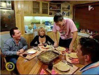 Hal a tortán - 3.: Hétfőn a Hal a tortán műsorában Harsányi Leventéhez igyekezve csónakba kellett szállniuk a vendégeknek