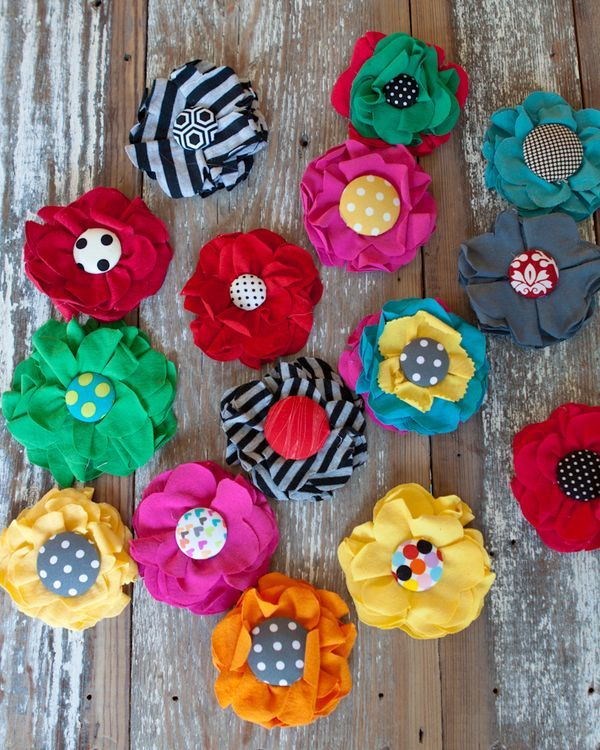Flowers from recycled t-shirts- That looks fun!  What a great idea.