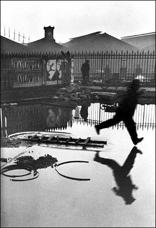 Gare Saint-Lazare train station, Paris (1932) © Henri Cartier-Bresson/Magnum Photos