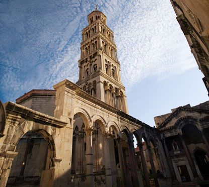 diocletian palace in split, croatiaPlaces To Visit, Inside Diocletian, Favorite Places, Places Spacs, Diocletian Palaces, Croatia Architecture, Romans Palaces, Split Croatia