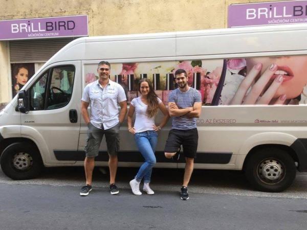 BrillBird futárok  - termékek egyenesen a szalonotokba!