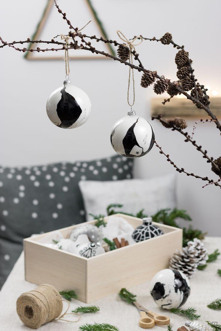 schwarz weiß marmorieren Weihnachtskugeln  skandinavisch moderne Weihnachtsdekoration Weihnachtsschmuck selber basteln