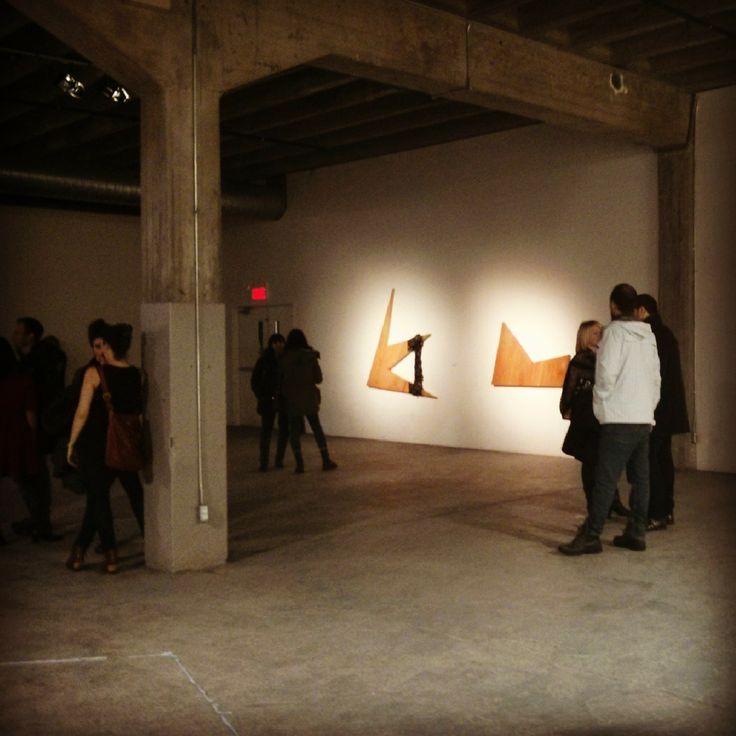Vernissage de l'exposition FABRICATIONS dans un espace de Griffintown à Montréal