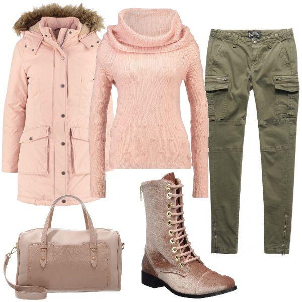 Outfit comodo e pratico, ideale per tutti i giorni. I pantaloni modello cargo, superskinny, sono verde militare mentre tutto il resto è rosa cipria: il giaccone di Hilfiger, il maglione a collo altro, il bauletto e, ultimissimi, gli stivali con i lacci.