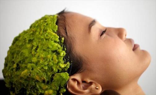 Détox capillaire pourquoi Pellicules et démangeaisons Argile verte et cheveux Recettes de masques capillaires détox Détox capillaire pourquoi Le soin des cheveux est un domaine où les femmes cherchent toujours à avoir le meilleur. Il est facile de tomber dans le piège de modifier ses cheveux artificiellement en utilisant des produits pleins de composés chimiques, […]