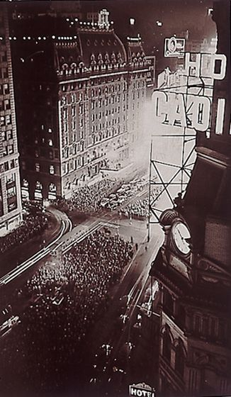 Election Night, New York, 1932, Fred Zinnemann. (1907-1997)