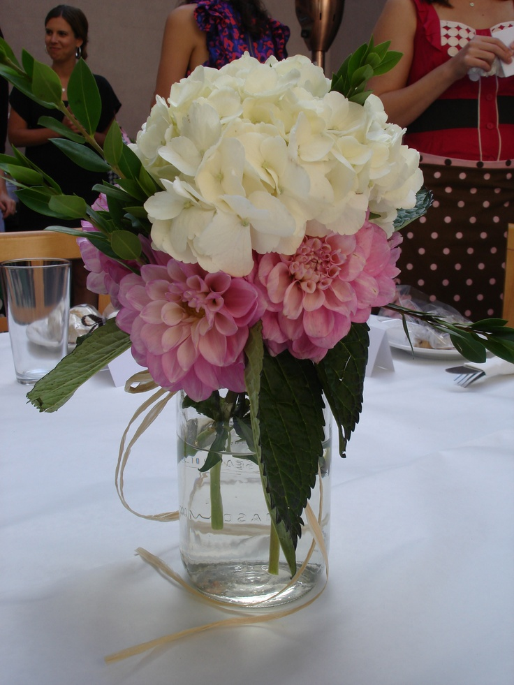 simple wedding flower arrangements exactly what i want the centerpieces to look like white 7512
