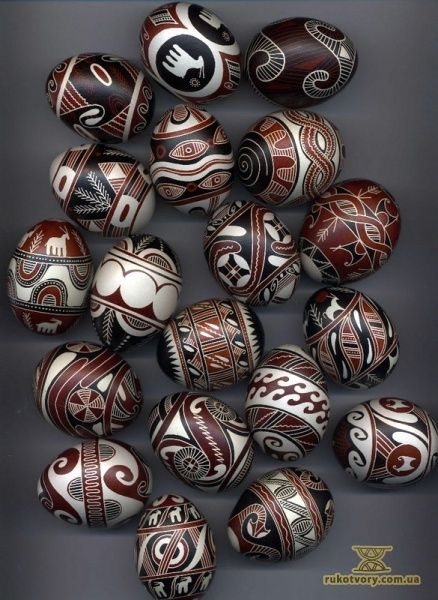 By the brilliant Ukrainian Pysanky artist,  Zoia Stashuk