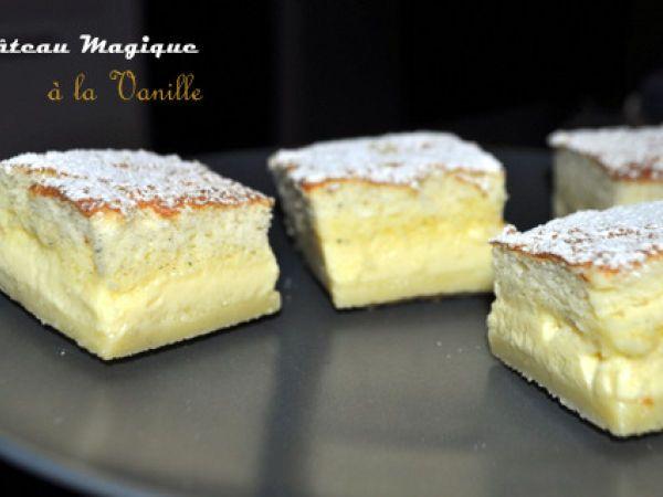 Gâteau magique à la vanille,   4 œufs (à température ambiante) 150 g de sucre 1 cs d'eau 125 g de beurre 115 g de farine 1 pincée de sel 500 ml de lait 1 gousse de vanille Quelques gouttes de jus de citron